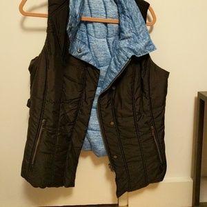 Zella vest! never worn.